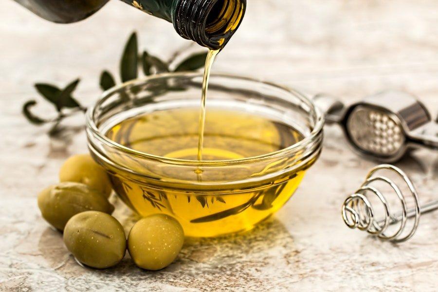 zdrowy olej na wiekszy biust