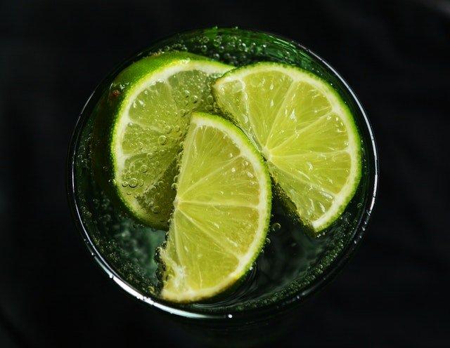 woda z cytryna na keto