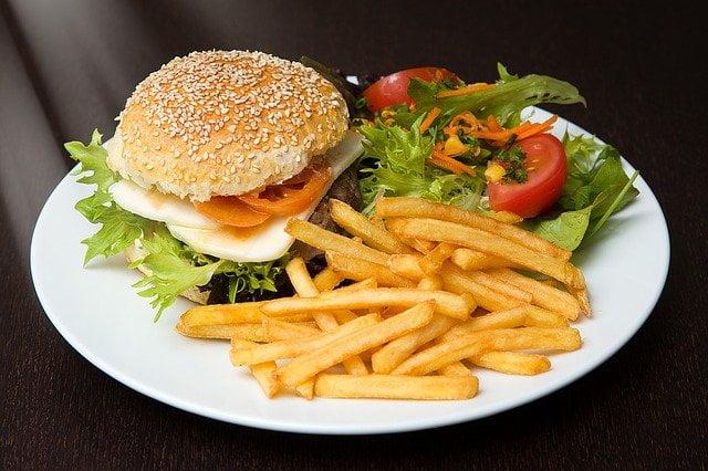 fast foody przetworzone jedzenie